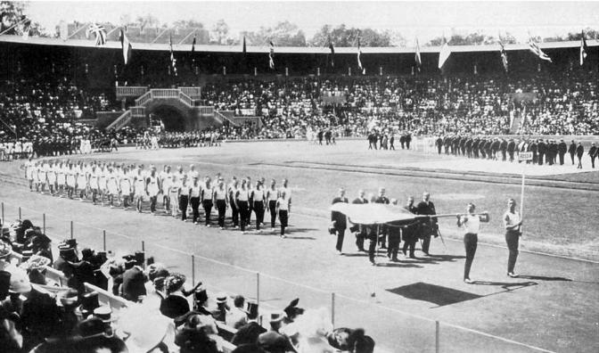 Делегация сборной Российской империи на открытии Олимпийских игр 1912 года.