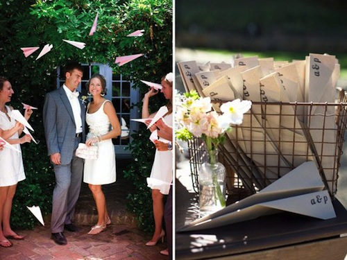 salida-ceremonia-boda-aviones-papel