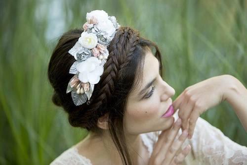 tocado-diadema-flores-novia
