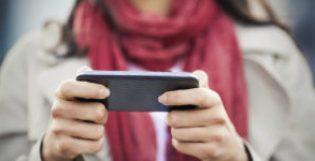Klanten direct te woord staan via telefoon of livechat