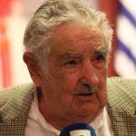Mujica dice que no cree en objetividad de Justicia brasileña tras pena a Lula