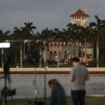 """Trump arriba a su """"Casa Blanca de invierno"""" en Florida en medio de polémica"""