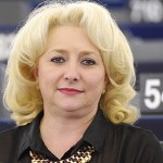 Viorica Dancila, la primera mujer investida como jefa del Gobierno rumano
