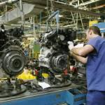 La actividad manufacturera y los servicios moderan su crecimiento en febrero