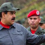 """Maduro acusa a oposición de ataques a electricidad para """"boicotear"""" comicios"""