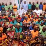 Boko Haram libera en Nigeria a 105 niñas que vuelven a casa a salvo