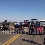 Una mujer muere y tres acompañantes quedan gravemente lesionados al caerles un RZR mal amarrado en carretera