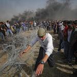 Cuatro palestinos muertos por disparos israelíes en las protestas de Gaza