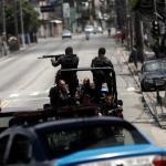 Un muerto y un herido en tiroteo entre policía y criminales en Montevideo