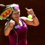 Bertens derrota a Sharapova y se cuela en semifinales