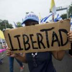 Manifestantes de Nicaragua corren en honor de víctimas de la represión