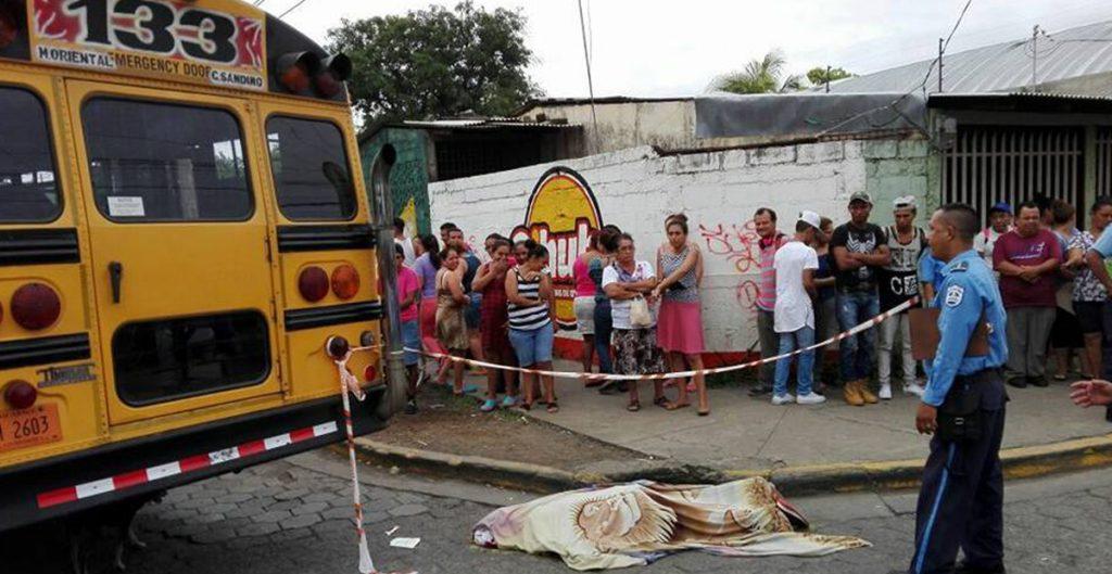 Image result for Muere joven nicaragüense arrollado por un autobús en medio de protestas