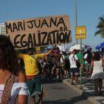 Brasileños marchan a favor de uso del cannabis en medio de paro camionero