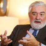 Honduras condecora con orden José Cecilio del Valle al director de la RAE
