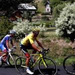 Alaphilippe se apunta la primera etapa alpina, Van Avermaet sigue líder