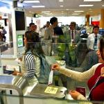 Activan 18 puertas electrónicas en aeropuerto para agilizar el ingreso Lima