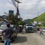 Gobierno hondureño y transportistas reanudan diálogo mientras continúa paro