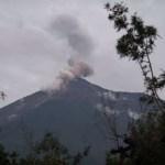 Al menos dos lahares descienden por el volcán de Fuego de Guatemala
