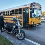 Alumnos de Parkland comienzan un nuevo curso con seguridad reforzada