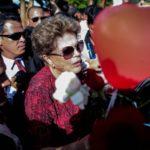 Dilma Rousseff lidera sondeo para ser elegida senadora en Brasil