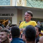El candidato acuchillado en Brasil está en buenas condiciones, dicen médicos