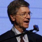 Jeffrey Sachs recomienda a Paraguay pruebas PISA y aumentar jornada escolar