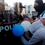 Nicaragüenses lanzan globos a las calles en protesta contra Ortega