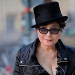"""Yoko Ono recrea """"cama de la paz"""" con Ringo Starr y Jeff Bridges en Nueva York"""