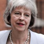 """May expone su plan de """"brexit"""" al líder del grupo del Partido Popular Europeo"""
