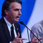 Bolsonaro avanza hacia el poder con las armas y la Biblia entre sus banderas