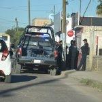 Sujetos armados asaltan miscelánea en la Valle del Guadiana