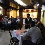 Protestan restauranteros por tarifa eléctrica