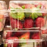 Acusada por poner agujas en fresas en Australia afronta diez años de prisión