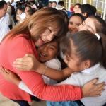 Entrega Leticia Herrera un nuevo pisodel  patio cívico en primaria José Vasconcelos