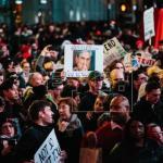 Manifestaciones en todo EE.UU. piden que siga la investigación sobre Rusia