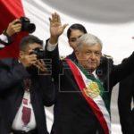 El presidente de El Salvador felicita al nuevo mandatario de México