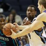 98-86. Williams conduce la victoria de los líderes Hornets
