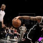 126-121. Russell lidera triunfo de Nets pese al regreso de Davis con Pelicans