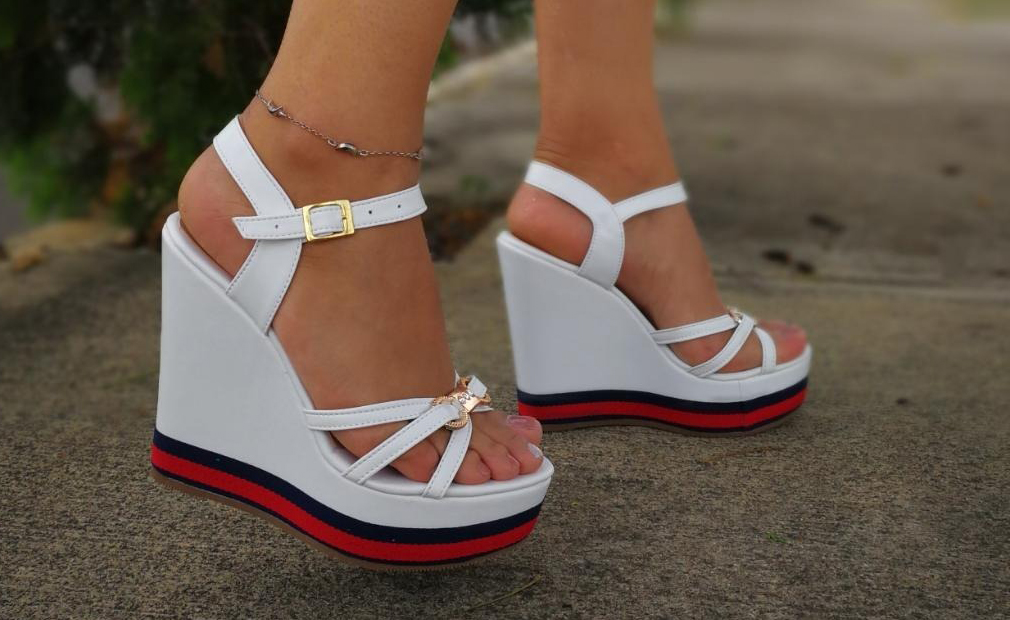 2db365fa606 Las sandalias de plataforma marcarán tendencia en la primavera ...