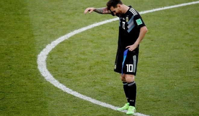 «Me siento responsable» Messi se hizo cargo de que Argentina no pudo «llavarse los tres puntos» por el penal que erró, pero el 10 intentó dejarle tranquilidad a los hinchas: «Esto nos tiene que hacer más fuertes, vamos a salir a ganarle a Croacia».