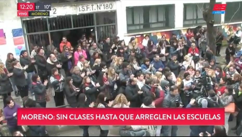 Tragedia en la Primaria N° 49  Por el mal estado de las escuelas, en Moreno los directores decidieron suspender las clases