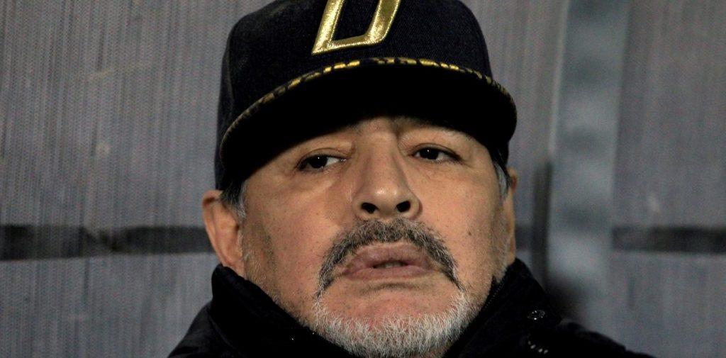 No es grave  Diego Maradona se realizó estudios, le encontraron una anomalía y quedó internado