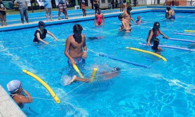 Alumnos de natación de Lavalle viajaron a Madariaga para participar de una jornada competitiva y recreativa