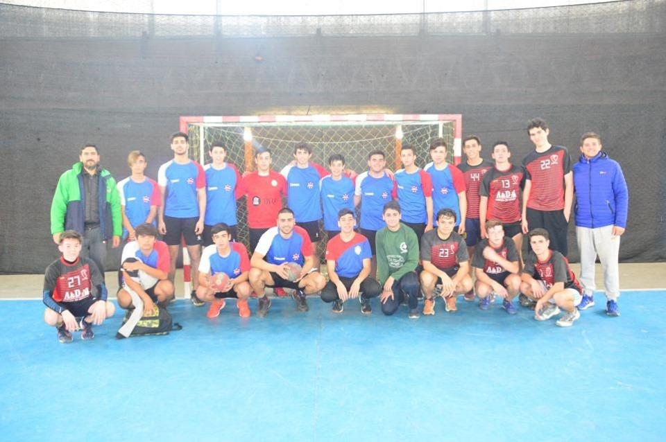 El handball tuvo una jornada recreativa en el Polideportivo Eva Perón