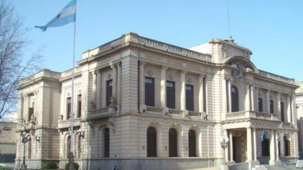 Coronavirus: en Tandil suspenden las horas extras a los trabajadores municipales