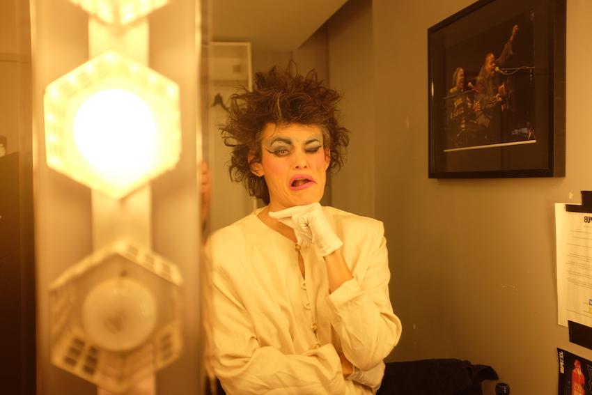 Backstage_Charlie_Gross