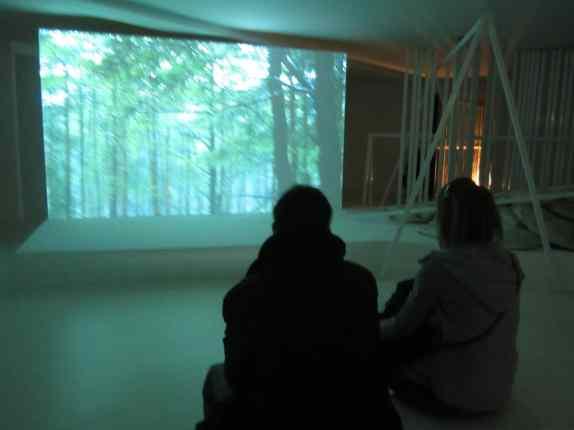 Exhibition view, Angelika Markul, L'État du Ciel, Palais de Tokyo, Paris 2014, photo Anna Tomczak