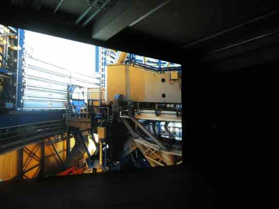 Exhibition view, Angelika Markul, Palais de Tokyo, Paris 2014, photo Anna Tomczak