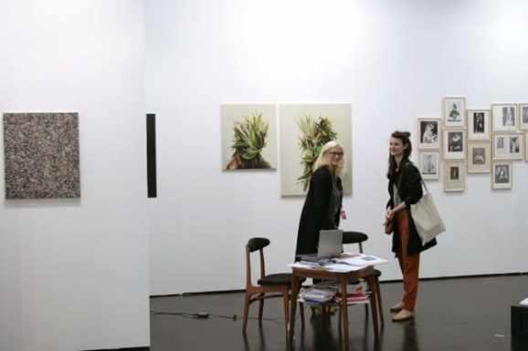 Ewa Juszkiewicz, Mateusz Szczypiński, Konrad Maciejewicz, lokal_30, Viennafair, 2014, photo Contemporary Lynx