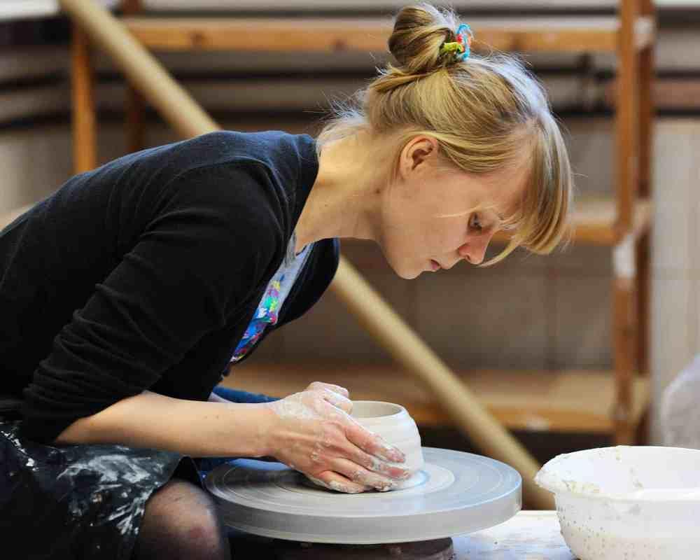Alicja Patanowska at work, photo G. Studnik